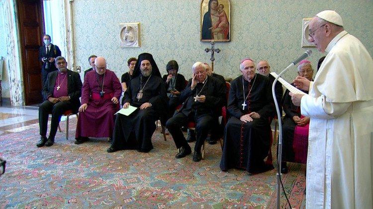 Rencontre entre Pape François et les évêques amis des Focolari