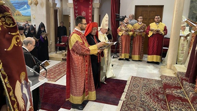 Întronizarea Patriarhului de Cilicia al armenilor - Preafericitul Raphaël Bedros al XXI-lea Minassian - duminică, 24 octombrie, la Beirut, în Liban