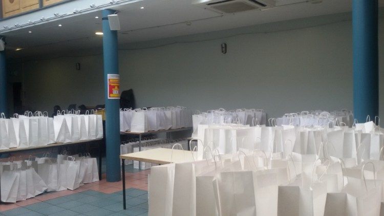 Meals for the needy at the Centre