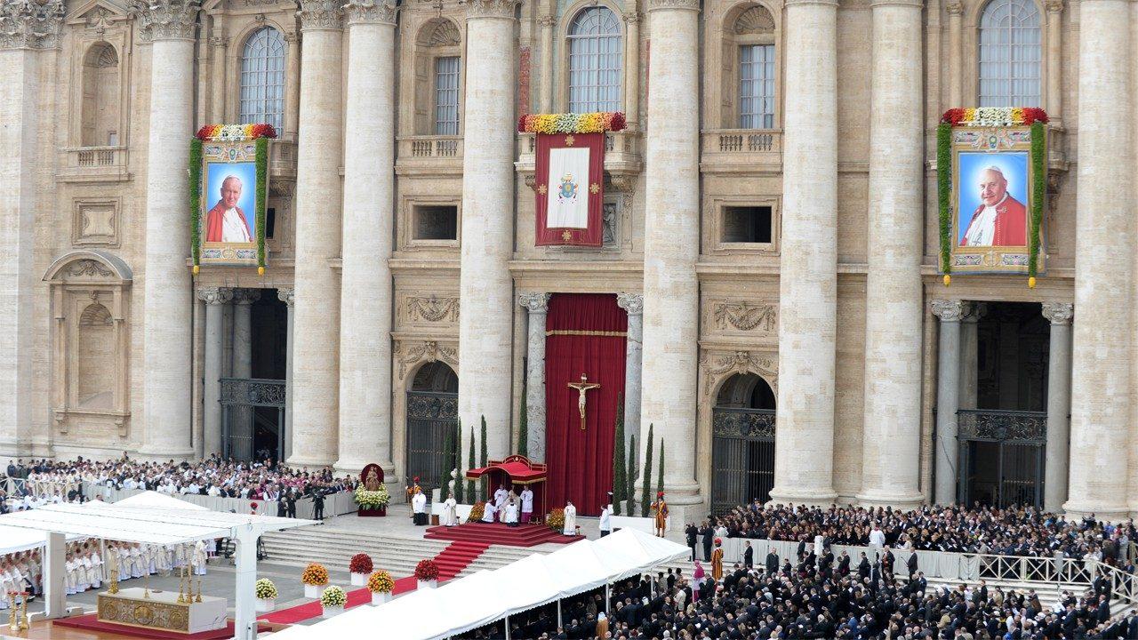 7 anni fa la canonizzazione di Giovanni Paolo II e Giovanni XXIII